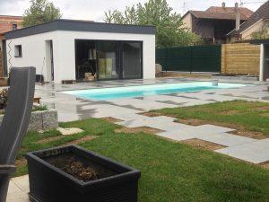 Dallage pour piscine et engazonnement