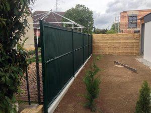 Pose de clôture rigide avec Tanis